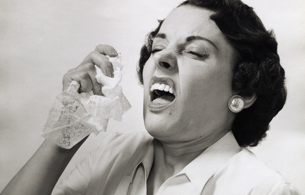 Is je nies inhouden gevaarlijk?