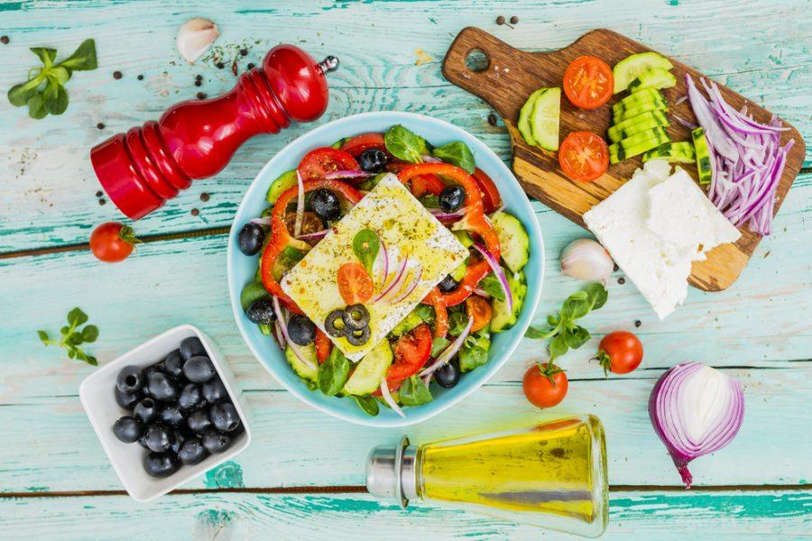 Slowcooker recept: stoofschotel met bok + Griekse salade