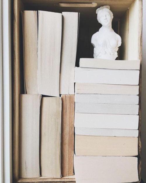 omgekeerde boekenstapels
