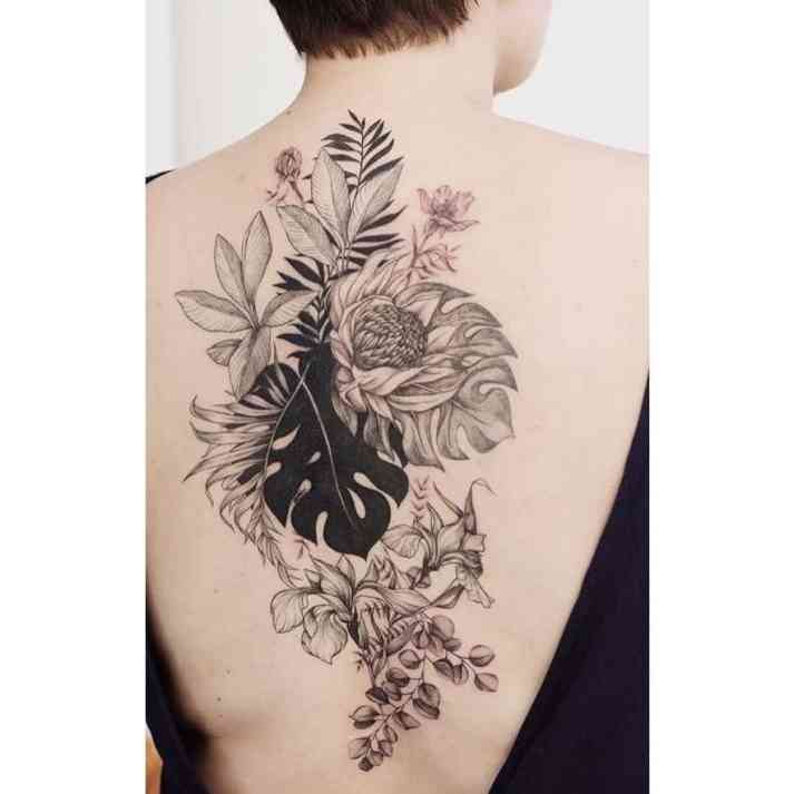 Monstera tattoo groot
