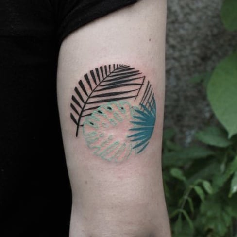 Monstera tattoo circle