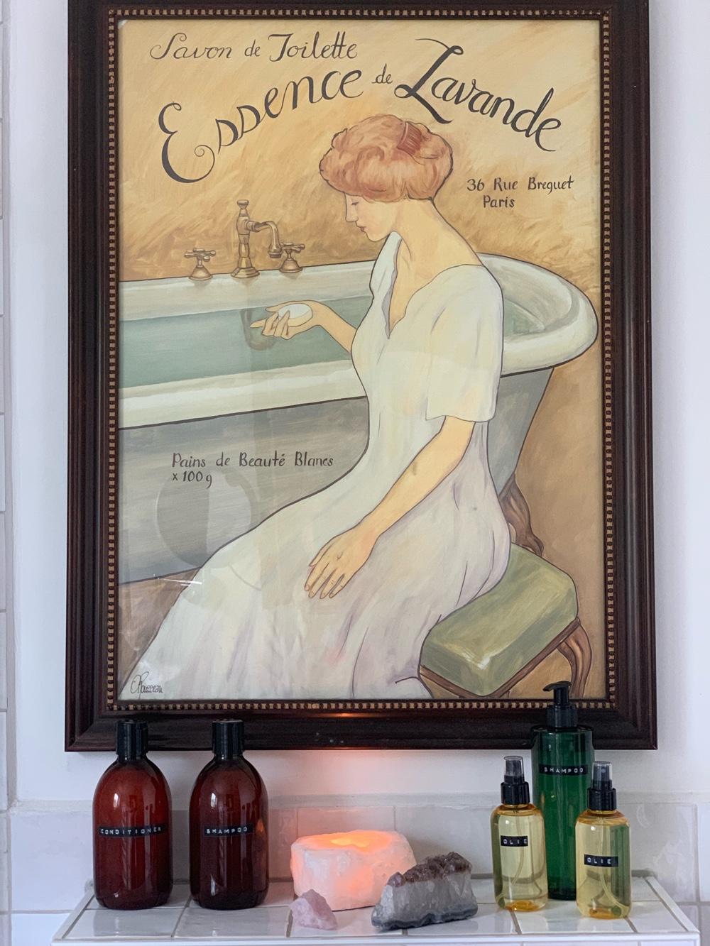 DIY: bruine flessen in de badkamer