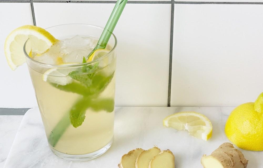 Recept: gezonde ijsthee met gember, citroen en munt