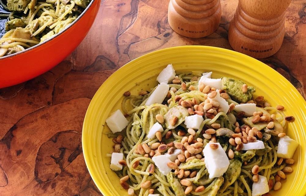 Easy zomerrecepten | pesto pasta met kip