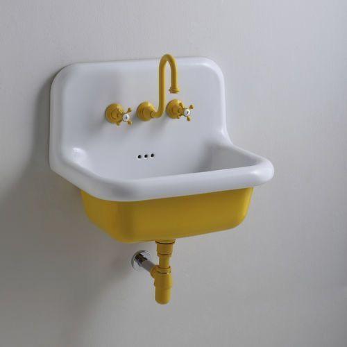 gele wastafel