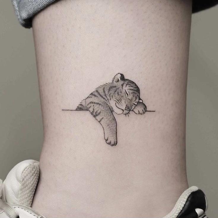 baby tijger tattoo
