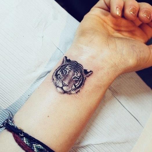 tijgerkop tattoo