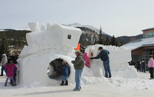 breckenridge Snow sculpture