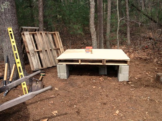 recycled wood pallet chicken coop