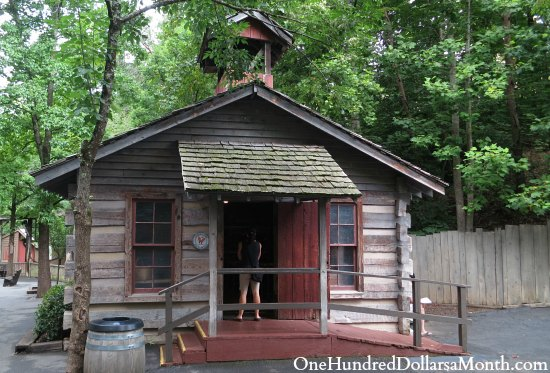 dollywood school house
