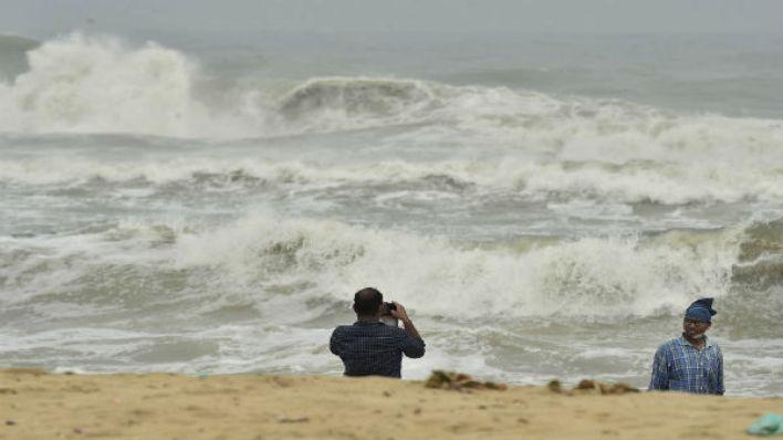 cyclones, coronavirus pandemic deal blow to puducherry in 2020 - oneindia news