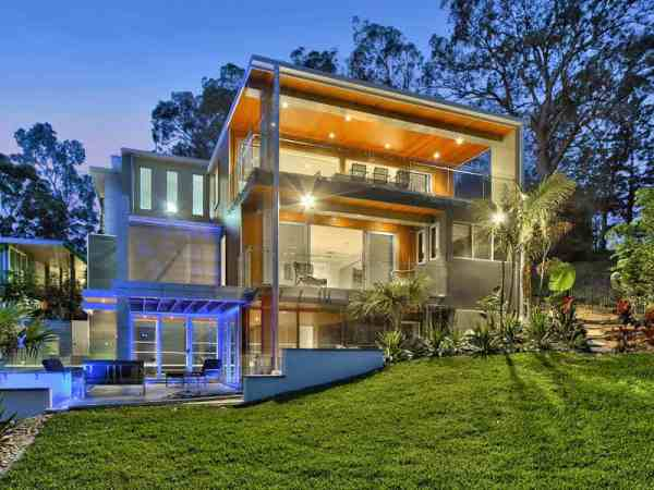 Contemporary resort style home in Fig Tree Pocket
