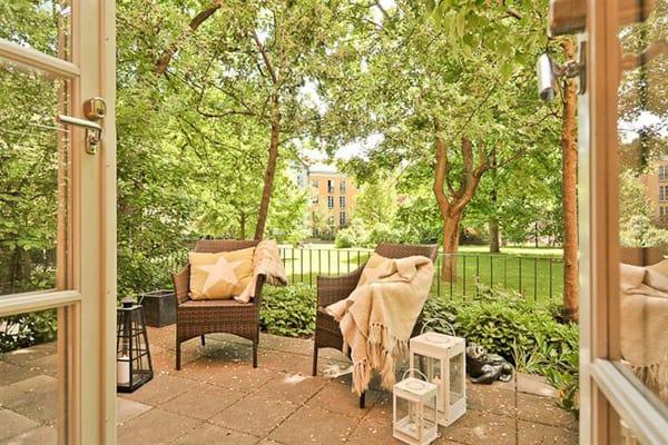 46 Inspiring small veranda decorating ideas on Uncovered Patio Ideas id=44177