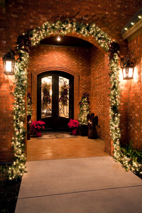 Christmas Gingerbread House Stunning Outdoor Displays Page 04 Decorating Home