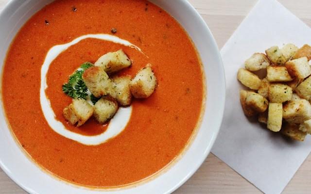 Cremet Og Lækker Tomat/Peberfrugtssuppe