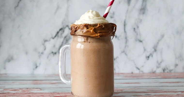 Lækker Milkshake Med Peanut Butter Og Nutella