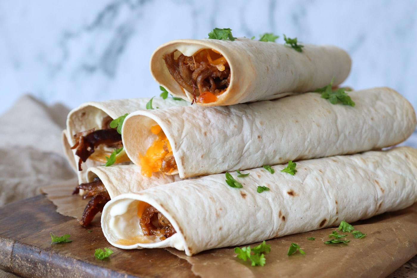 Ovnbagte Taquitos Med Pulled Pork Og Cheddar