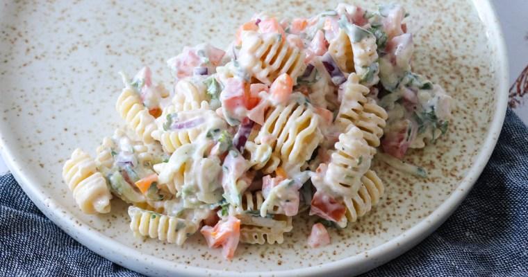 Sund, Frisk Og Lækker Pastasalat Med Tzatziki