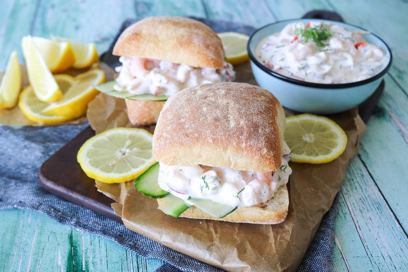 Hjemmelavet Rejesalat – Den Bedste Sandwich Med Rejesalat