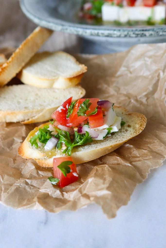 Feta I Marinade Af Frisk Salsa Og Olie - Lækkert Tilbehør Til Brød