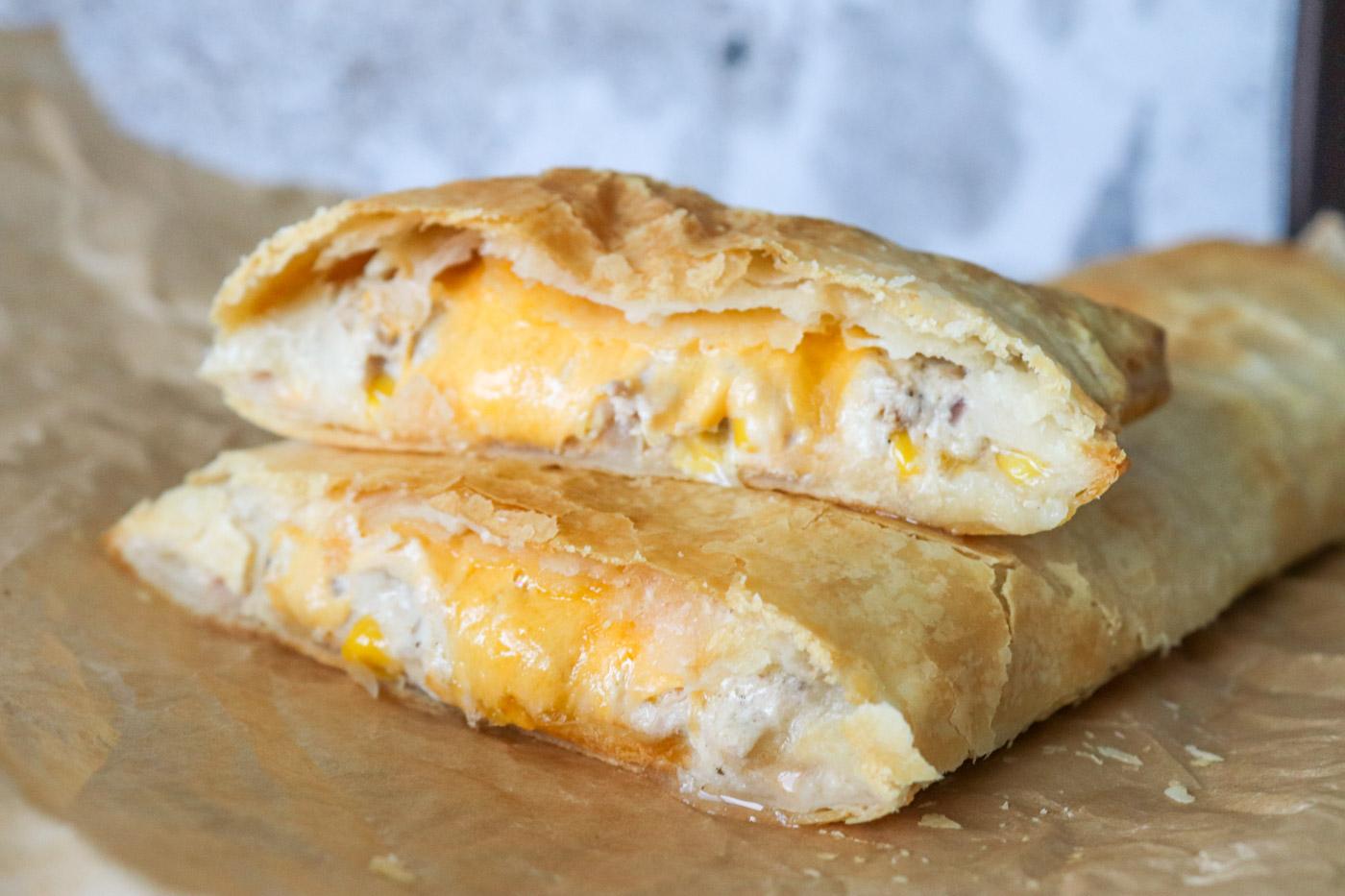 Butterdejsstang Med Cremet Tunsalat Og Ost – Butterdej Med Tun Og Ost