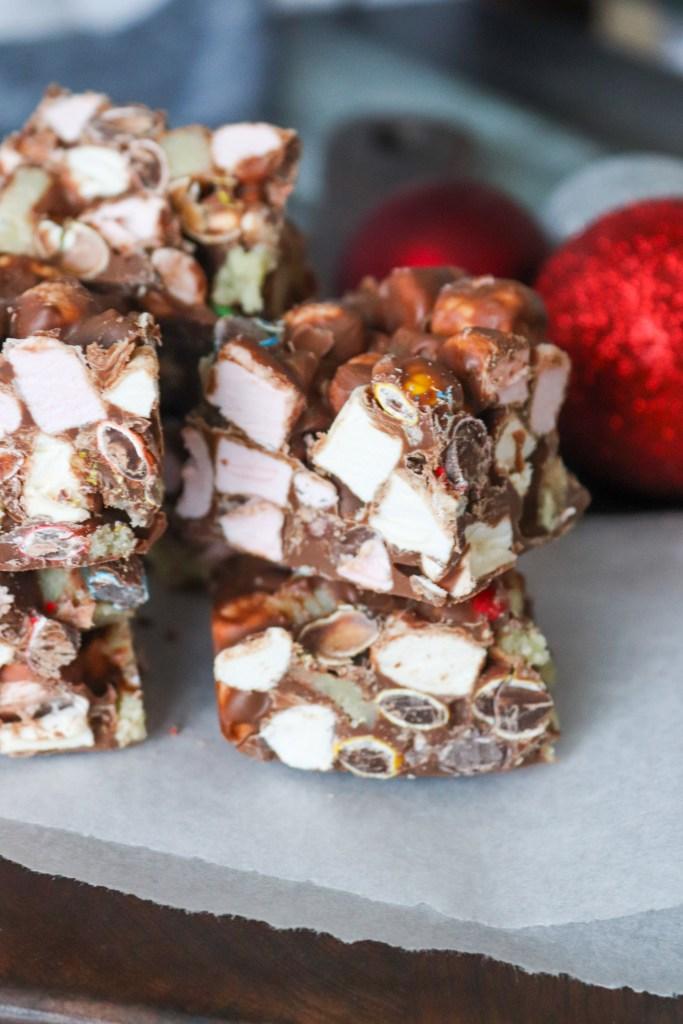 Chokoladebrud Med Marcipan, Skumfiduser Og M&M's