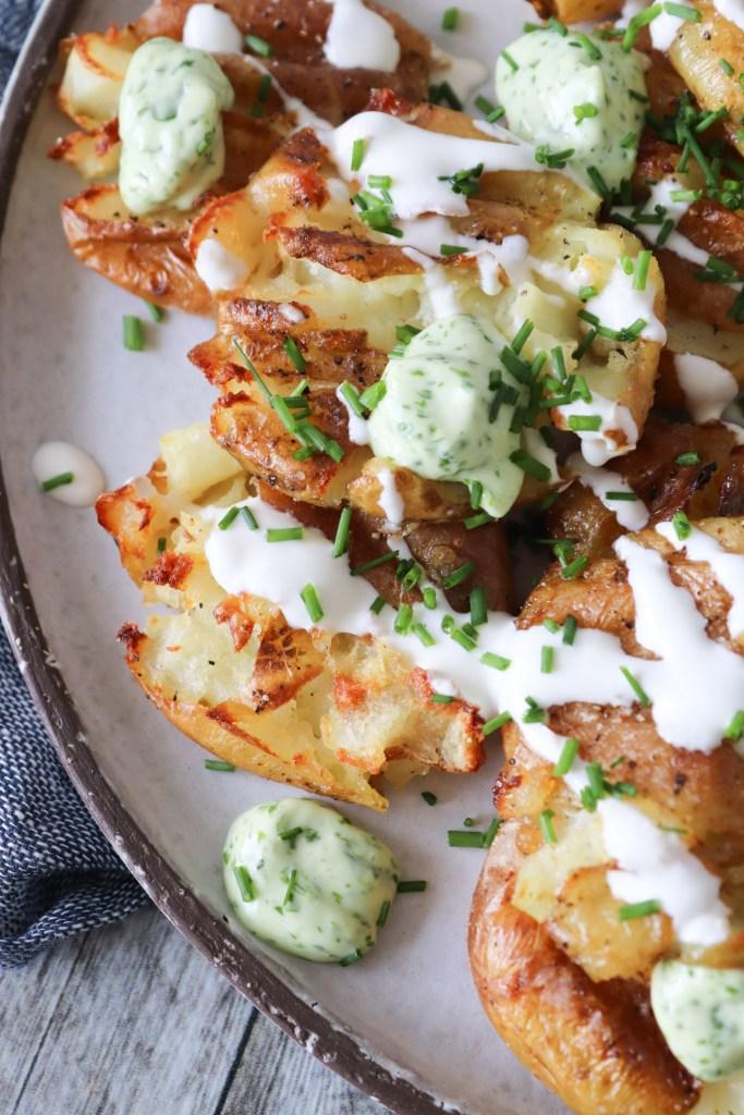 Knuste Kartofler Med Persillemayo - Nemme Knuste Kartofler