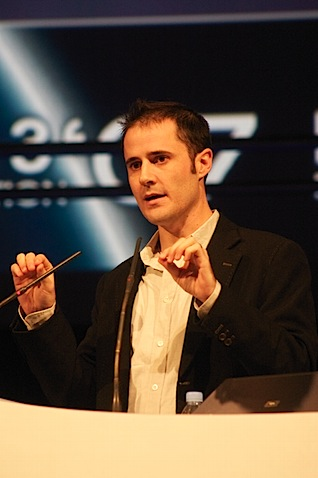 Evan Williams speaking at LeWeb in 2007