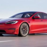 La Tesla Model S da 1.020 cavalli e 130.000 euro non paga il parcheggio a MIlano