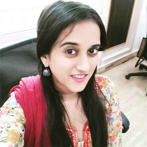 VJ Sriranjani (Anchor) Profile with Age, Bio, Photos, and Videos