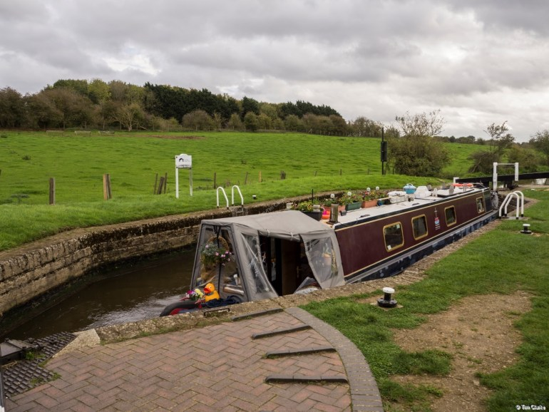 Aynho Weir Lock: One of two lozenge-shaped locks on the Oxford.