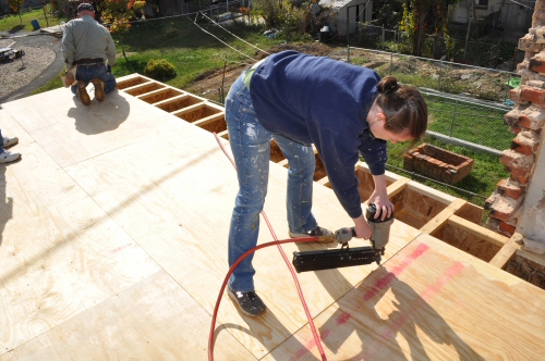 fasten plywood subfloor to joists