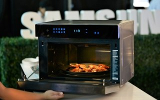 35-liter Samsung Smart Oven with 6-in-1 functions