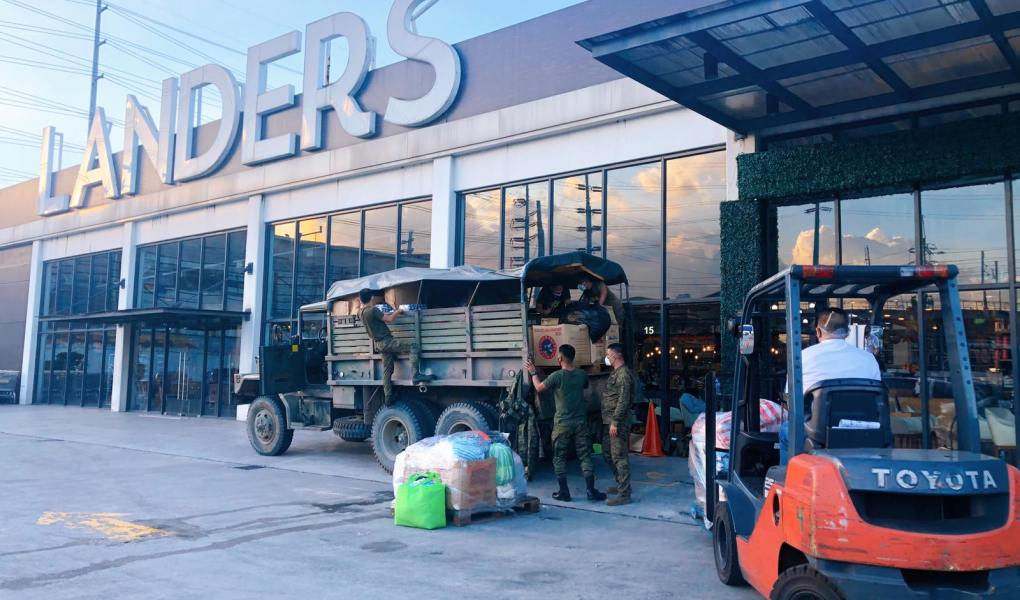 Landers capped off a year of outreach and giving, in partnership with the Armed Forces of the Philippines