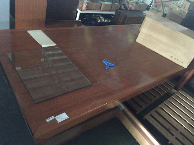自社で送ったテーブル