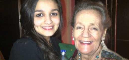 Alia Bhatt with her Grandmother & Sisters Pooja Bhatt, Shaheen Bhatt & Brother Robin Bhatt
