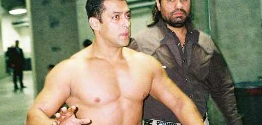 Salman Khan Shirtless with his Bodyguard Sheera