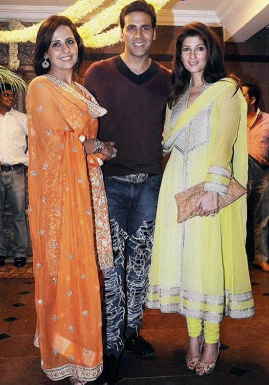 Akshay Kumar, Twinkle Khanna Spotted with his sister Alka Bhatia