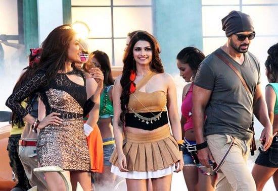 John Abraham, Chitraganda Singh & Prachi Desai on the sets I Me aur Main