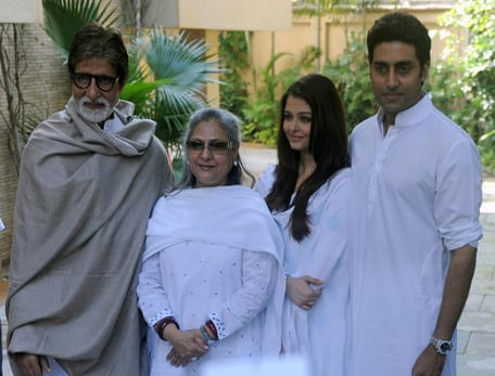 Aishwarya Rai Bachchan, Abhishek Bachchan, Jaya Bhaduri-Bachchan, Amitabh Bachchan at a Press Conference in Mumbai
