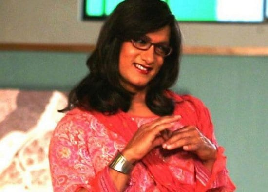 Aamir Khan Dressed as a Woman on the sets of an Ad