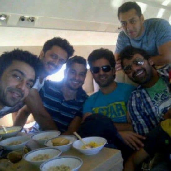 Salman Khan, Riteish Deshmukh, Ashish Chowdhary, Kunal Khemu and Harman Baweja Spotted