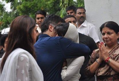 Shah Rukh Khan, Karan Johar, Ranbir Kapoor, Ranveer Singh, Manish Malhotra, Puneet Malhotra and Deepika Padukone at Priyanka Chopra' Father Funerall