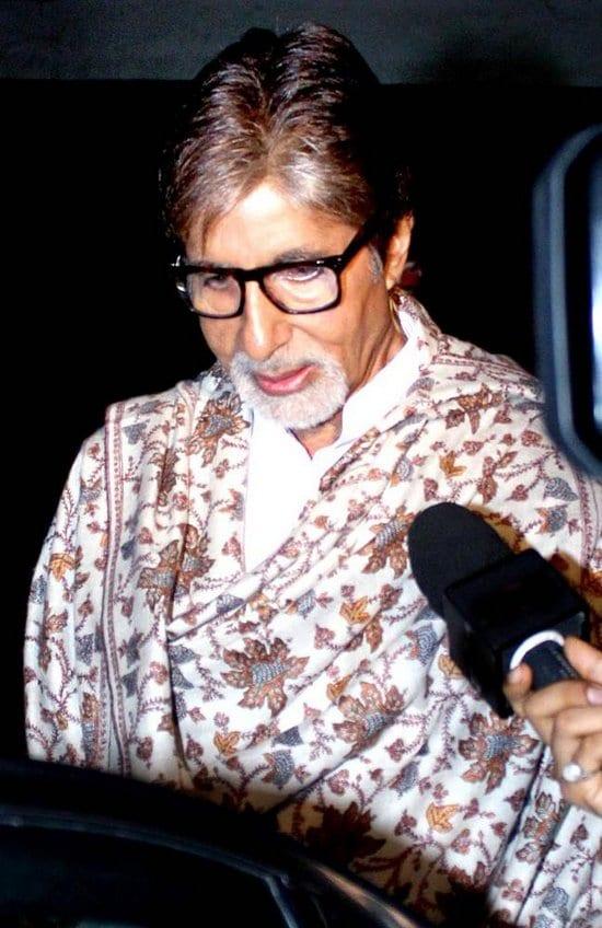 Jaya Bachchan, Abhishek Bachchan, Farhan Akhtar, Amitabh Bachchan and Abhishek Bachchan watch Bhaag Milkha Bhaag