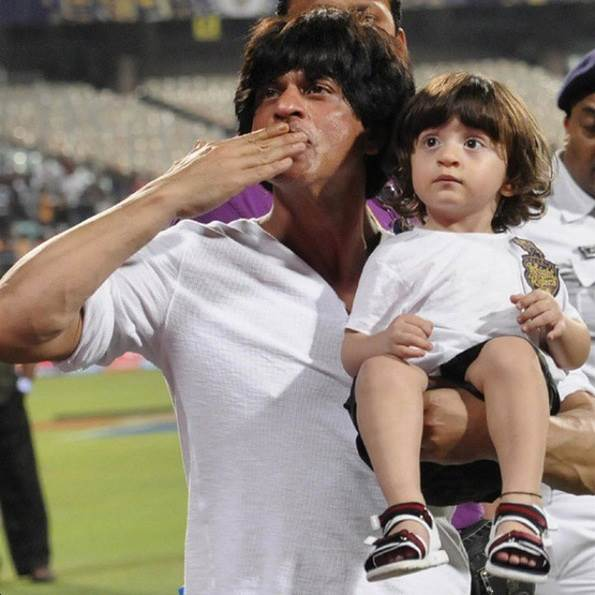Shah Rukh Khan said his kid liked Raees, what about Hrithik Roshan's kids?