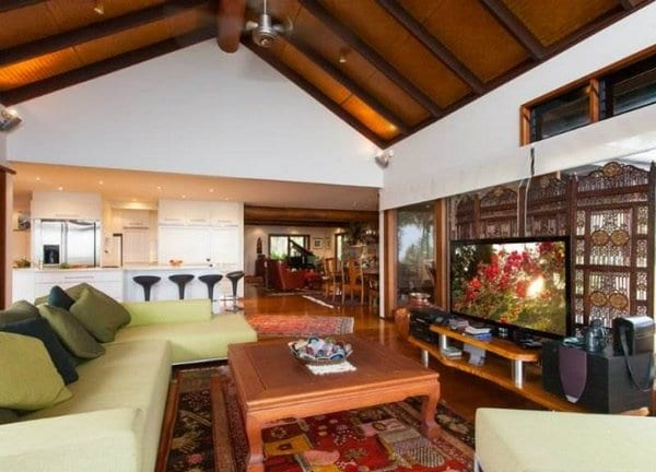 Celebrity Homes- Chris Hemsworth and Elsa Patakyghout-property