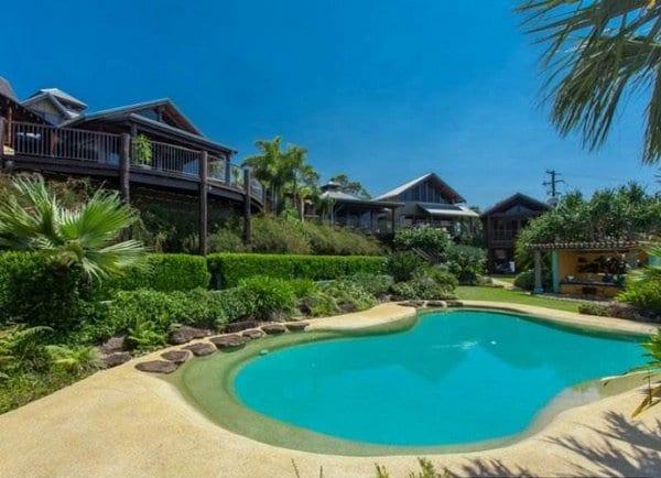 Celebrity Homes- Chris Hemsworth and Elsa Patakyecks-balconies