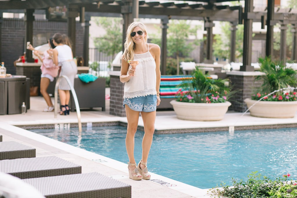 pool outfit - outfit idea for summer - tan wedges - rayban aviators