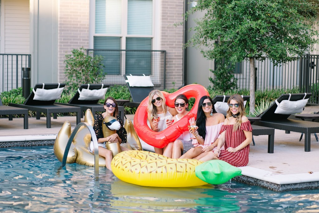 56d4e66865e1 pool floaties - pool photoshoot - summer at the pool - outfit for the heat