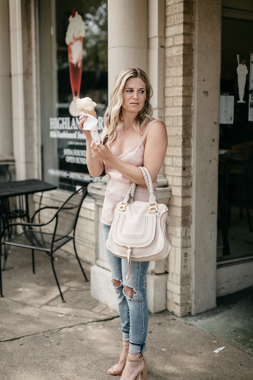 Blooper Photos From Dallas Blogger